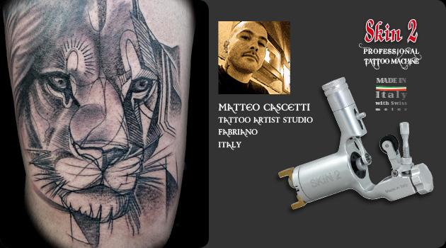 Matteo Cascetti Tattooing with Skin 2 Tattoo Machine